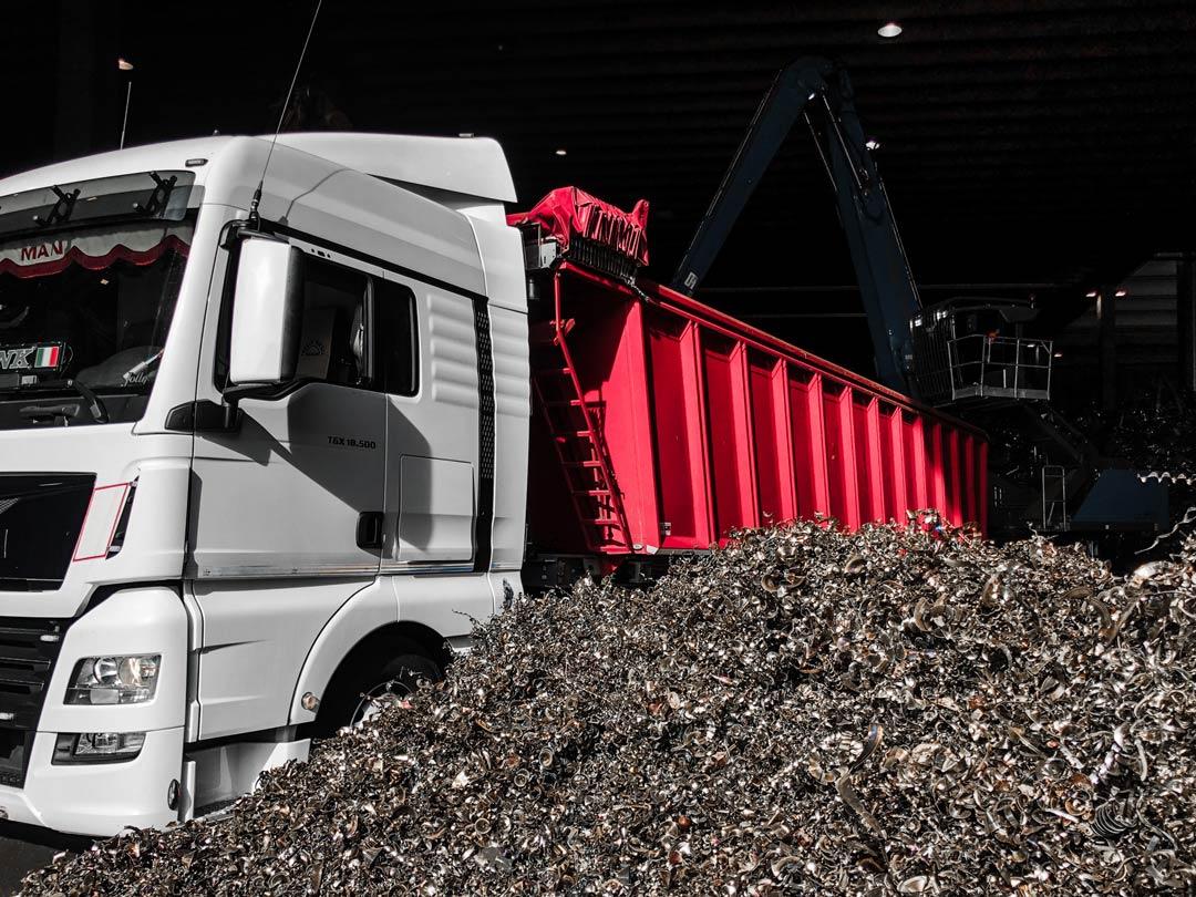 AOM Rottami recupera i refusi di produzione direttamente nella tua azienda